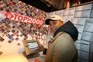 Humberto Tan voting for Eva Cassidy